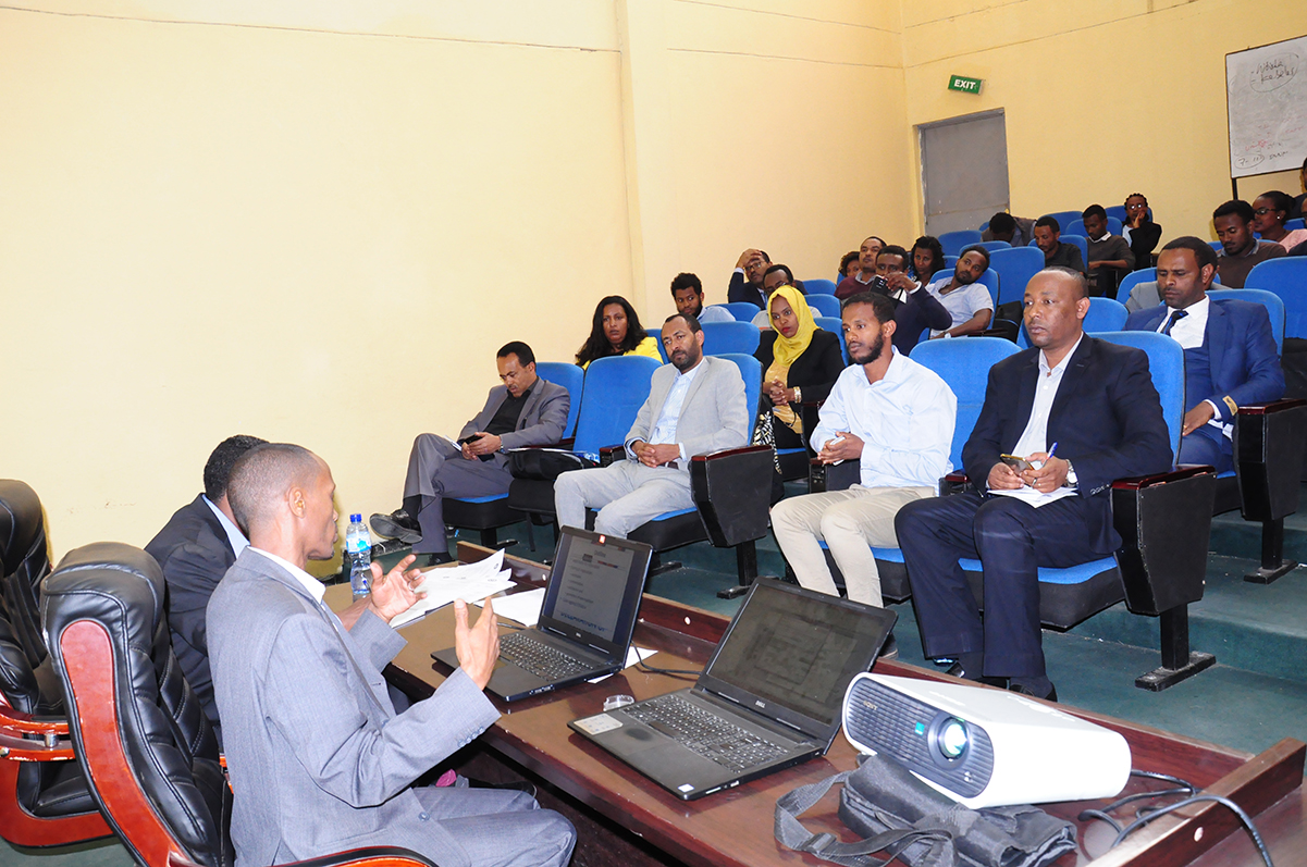 School of law holds Panel Discussion | Addis Ababa University
